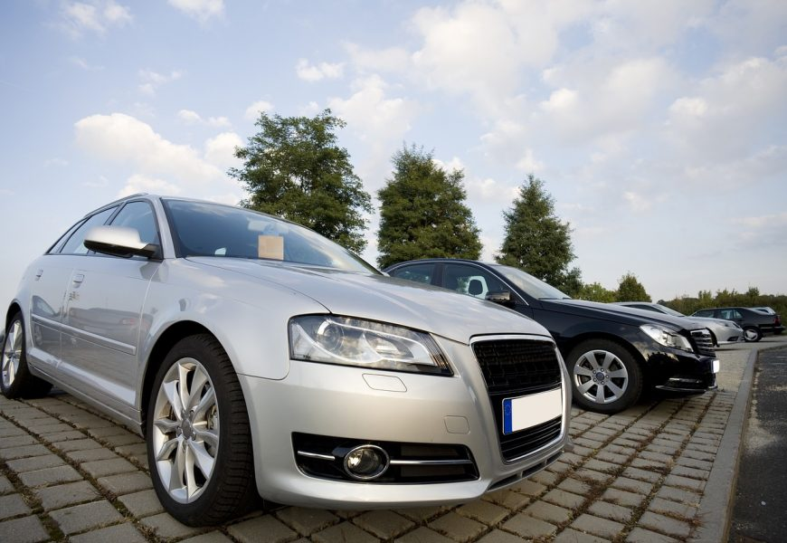 4 Tips for Starting a Used Car Dealership